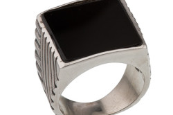 Кольцо-печатка с обсидианом из серебра
