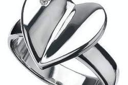 Кольцо сделанное из серебра