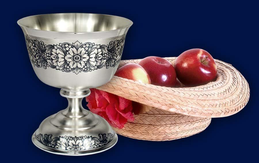 Серебряная ваза для десерта