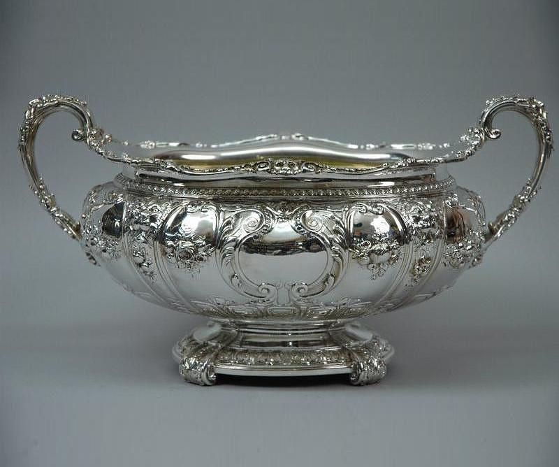 Столовое антикварное серебро