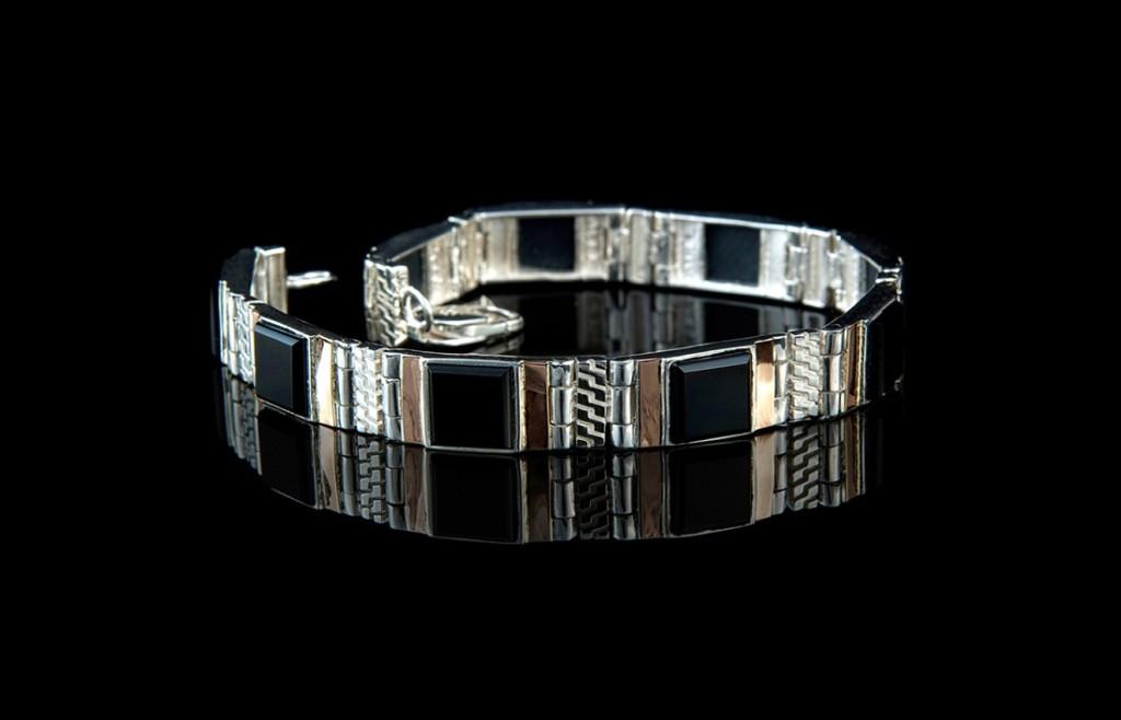 Серебряный браслет для мужчин