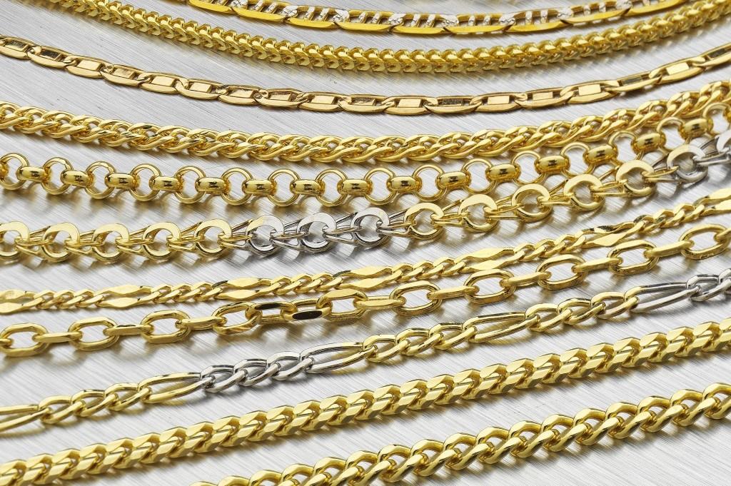 браслеты из золота. фото
