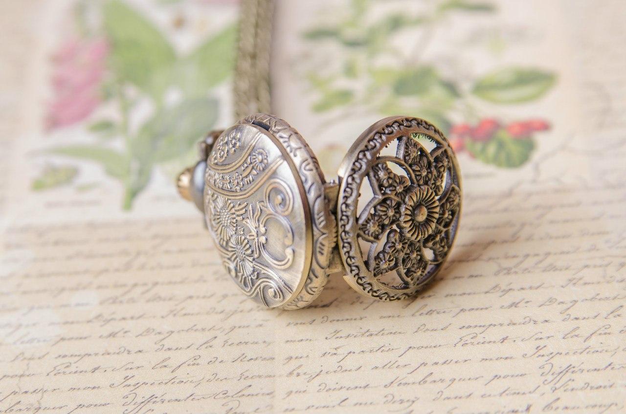 Часы-кулон из тибетского серебра