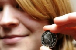 Самый маленький дефект значительно снижает стоимость монеты