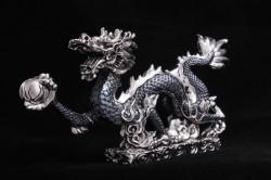 Дракон из черненого серебра