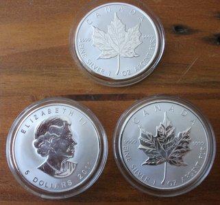 Настоящая и фальшивая монеты