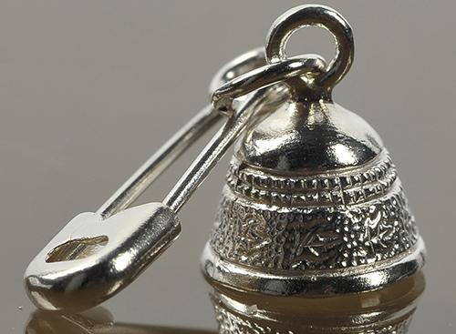 Булавка серебряный колокольчик