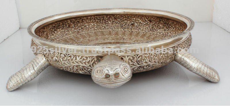 Серебряная чаша в виде черепахи