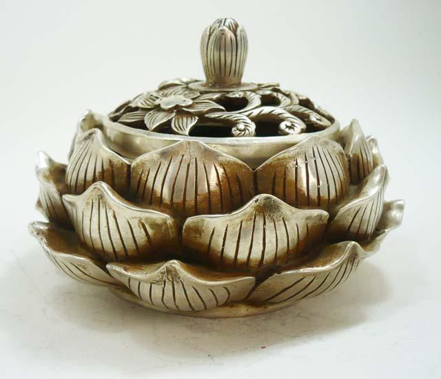 """Шкатулка для драгоценностей """"Лотос"""" из тибетского серебра"""