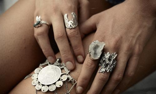Различные серебряные изделия