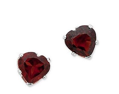 Бордовые огранённые рубины в форме сердец и оправе полированного серебра