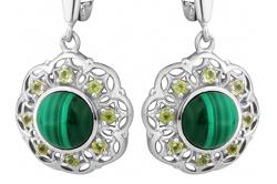 Серебряные серьги с  зеленым изумрудом