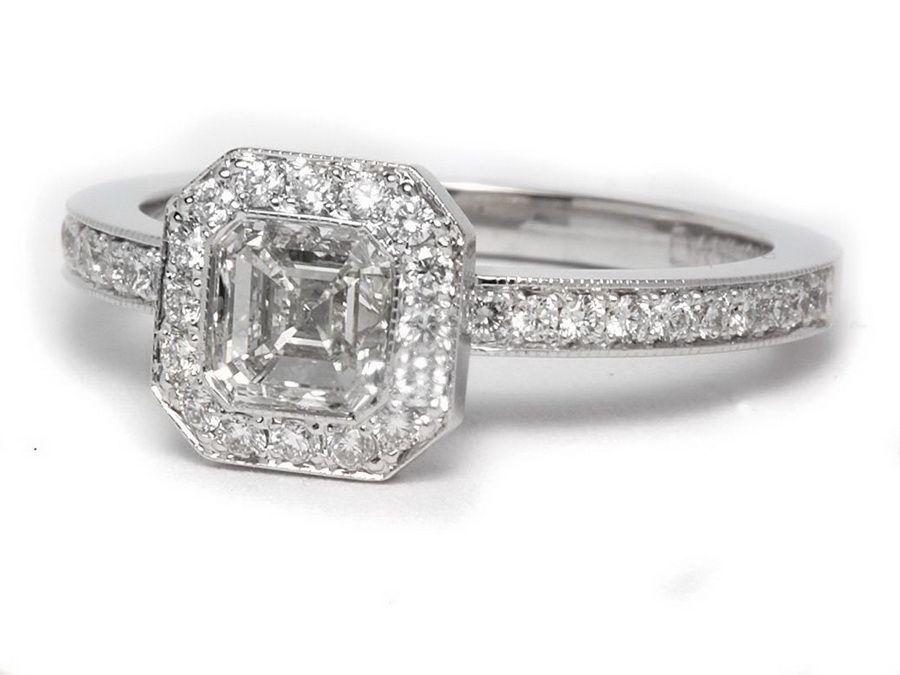 Женское серебряное кольцо с бриллиантом в яшме золота