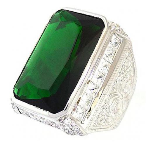 Перстень с гигантским изумрудом