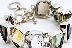 Браслет из серебра и натуральных камней