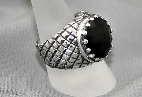 Мужской перстень с черным ониксом