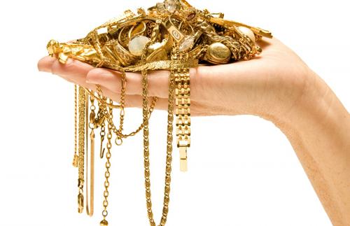 золото в руке